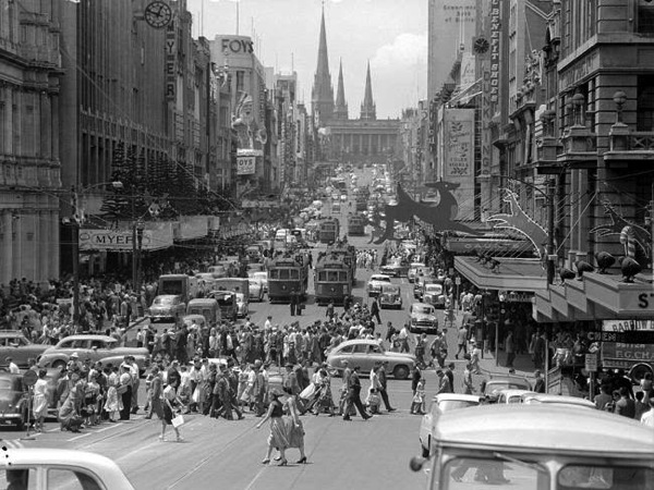 Shoppers in Bourke Street 1957